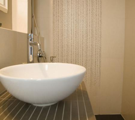 16guest-shower.jpg