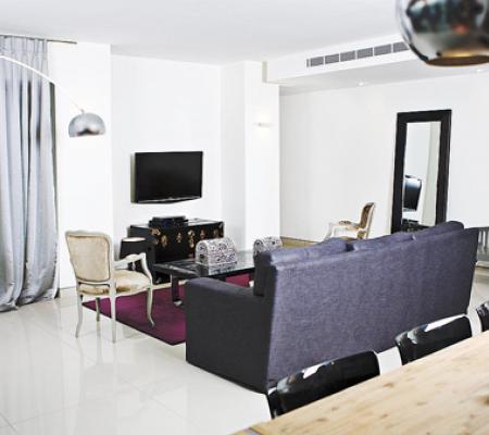 2livingroom.jpg