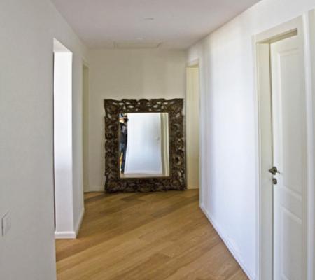 9corridor.jpg